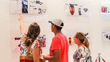 Centro Corsini com exposição  - Cursinho Campinas Oficina do Estudante - PRÉ-VESTIBULAR CAMPINAS - O curso que mais aprova nos vestibulares da Unicamp,Fuvest,Unesp,Ufscar,Unifesp.