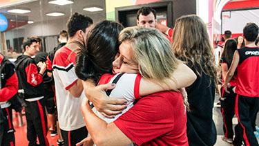 Trolls visitam Oficina em Dia do Abraço  - Pré Vestibular Campinas  - Ensino Médio Campinas - OFICINA DO ESTUDANTE